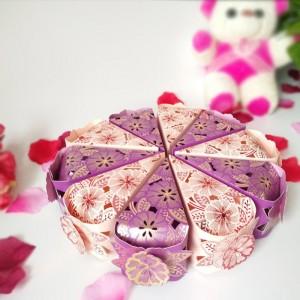 """Торт из бумаги - Бонбоньерки кусочки торта """"Цветочное кружево"""" фиолет и розовый"""